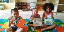 LOS DE 5 AÑOS GRANDES LECTORES DE NUESTRA BIBLIOTECA
