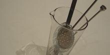 Vaso mezclador con utensilios