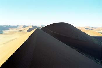Extensión de dunas en el desierto de Namib, Namibia