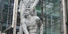 Estatuas de Miguel ángel en obras, Florencia