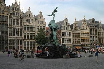 Vista general de la Gran Plaza, Amberes, Bélgica