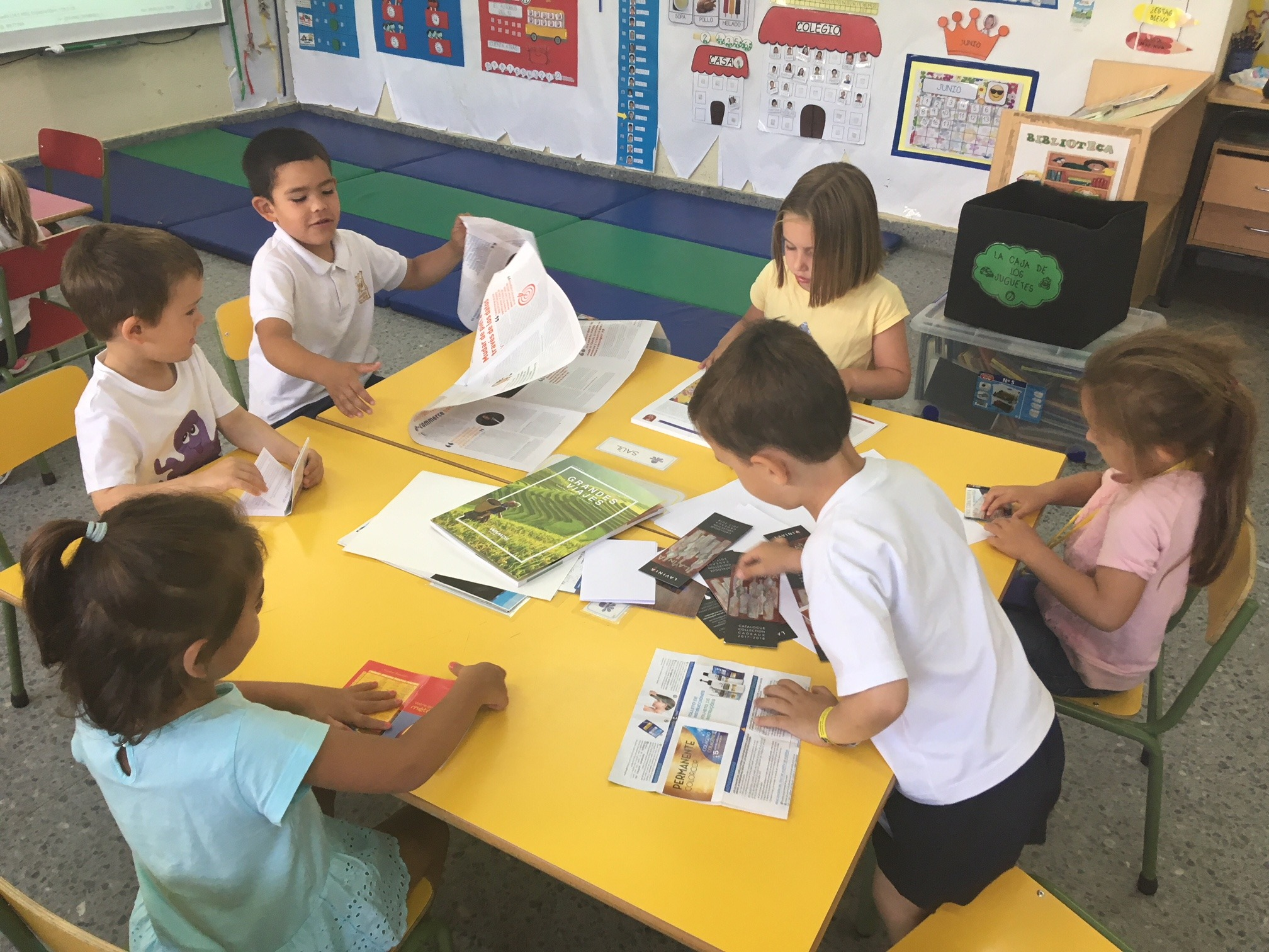 2018_06_25_Los pulpos disfrutan de un taller de libros 9