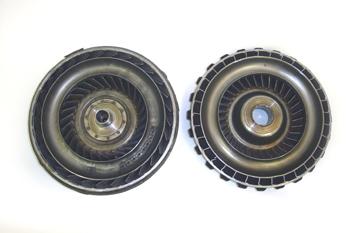 Convertidor de par. Detalle interno de la bomba y la turbina