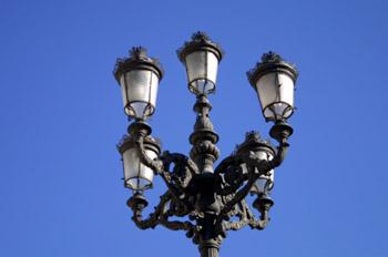 Farola en Plaza de Oriente, Madrid
