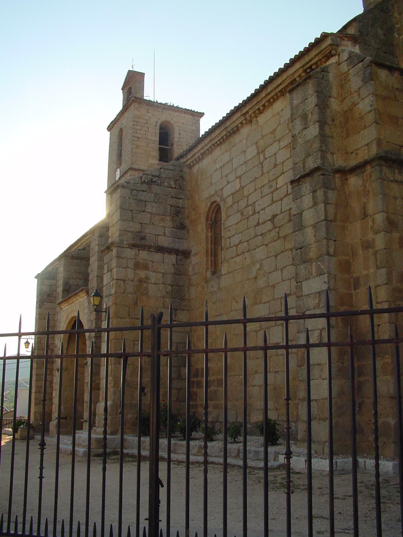 Lateral iglesia en Cenicientos