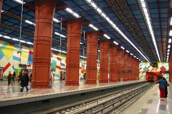 Estación de metro Olaias, Lisboa, Portugal