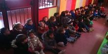 """Infantil 3 años y 1º de Primaria visitan los expositores del la """"Vuelta al Mundo"""" 13"""
