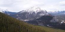Montaña Túnel (1692m) y Montaña Cascade (2998m)