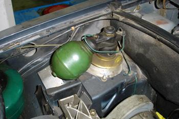 Suspensión hidroneumática. Detalle de esferas de gas