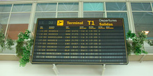 Pizarra electrónica de un Aeropuerto