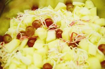 Ensalada de manzana y uvas