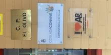 una placa de reconocimiento,en PROYECTOS DE APRENDIZAJES Y SERVICIOS ( APS).