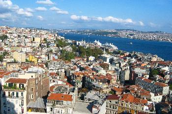 Vista del Bósforo desde el mirador de la Torre Gálata, Estambul,