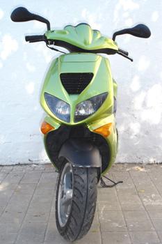Ciclomotor. Vista frontal