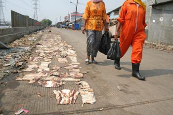 Secado en el suelo, Jakarta
