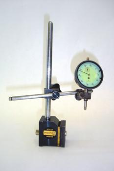 Reloj comparador y soporte magnético