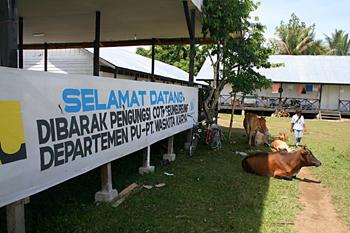 Cartel de bienvenida,campo de refugiados de Melaboh, Sumatra, In