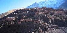 Pueblo de Aroumd en la ladera del Monte Toubkal, Marruecos