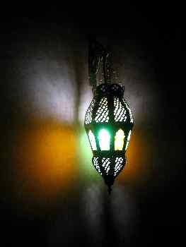 Lámpara de hierro y vidrio