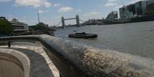 El río Támesis y la Torre de Londres, Reino Unido