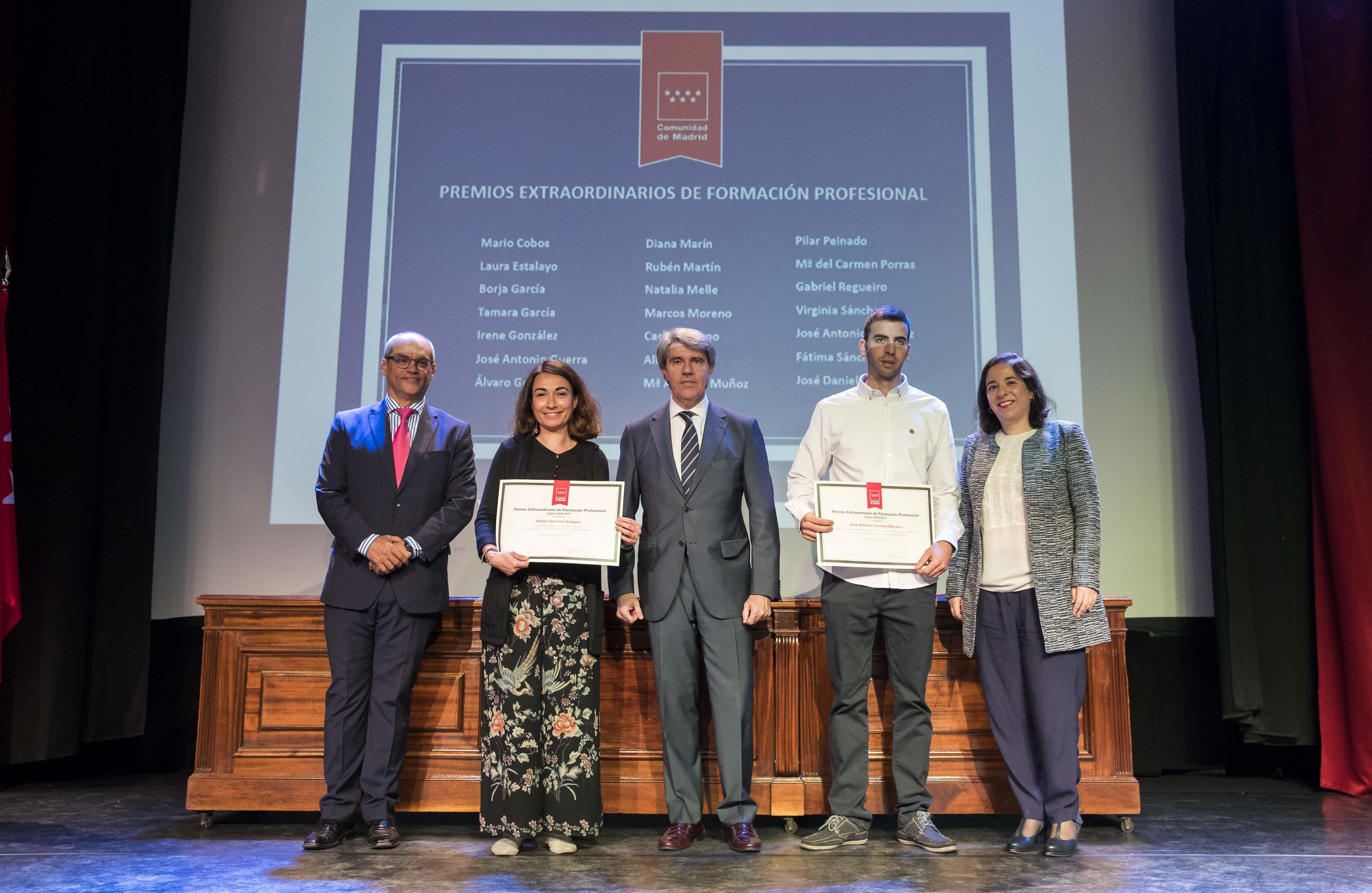 Entrega de los premios extraordinarios correspondientes al curso 2016/2017 18