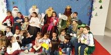 Los Reyes Magos visitan el colegio 13