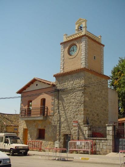 Torre del reloj en Navalagamella