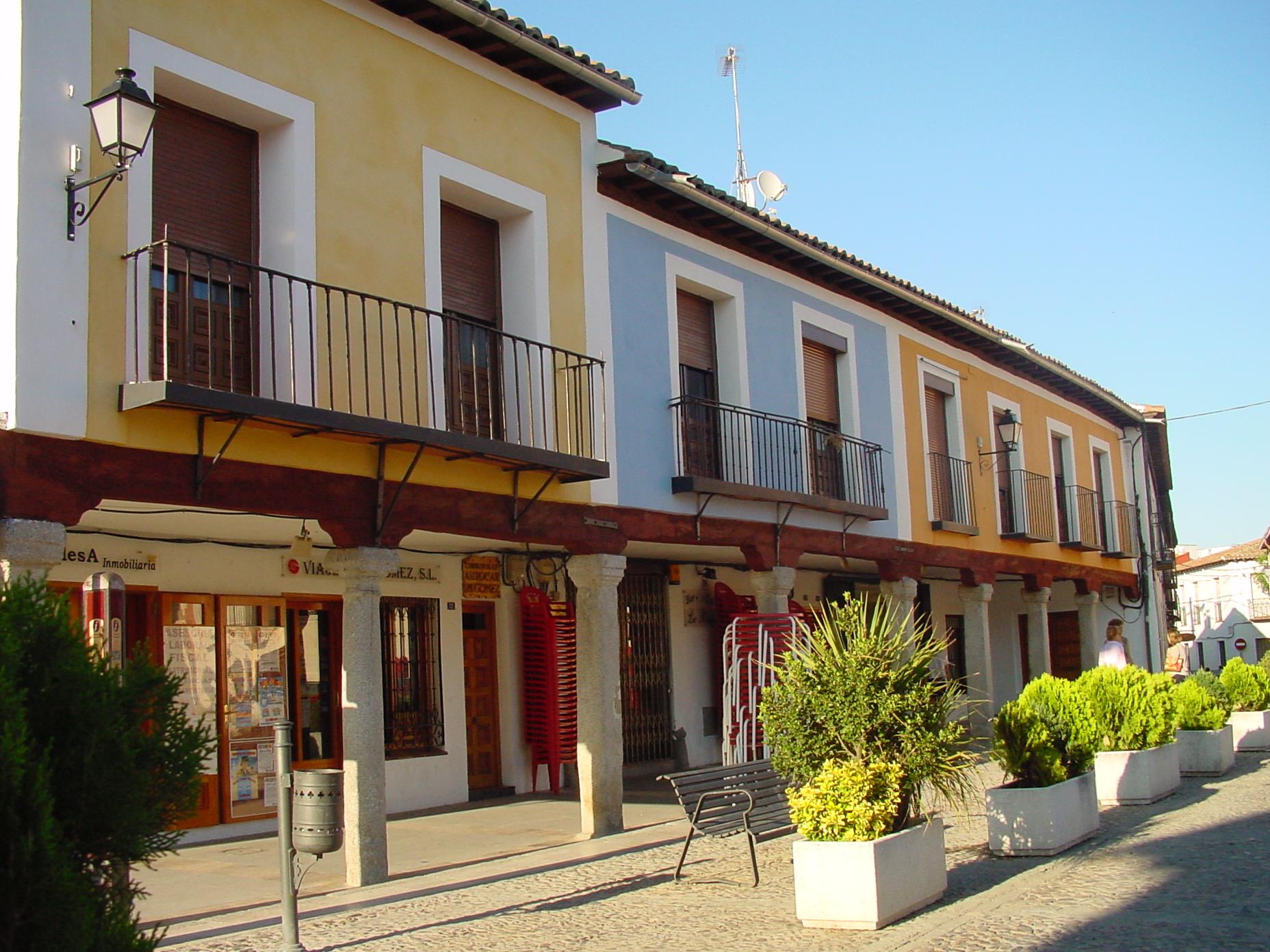 Casas con soportales en Navalcarnero
