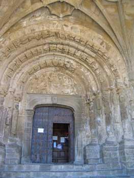 Portada iglesia en Sos del Rey Católico, Zaragoza