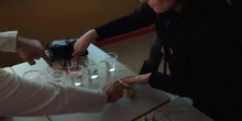 Makey Makey. Vasos de agua
