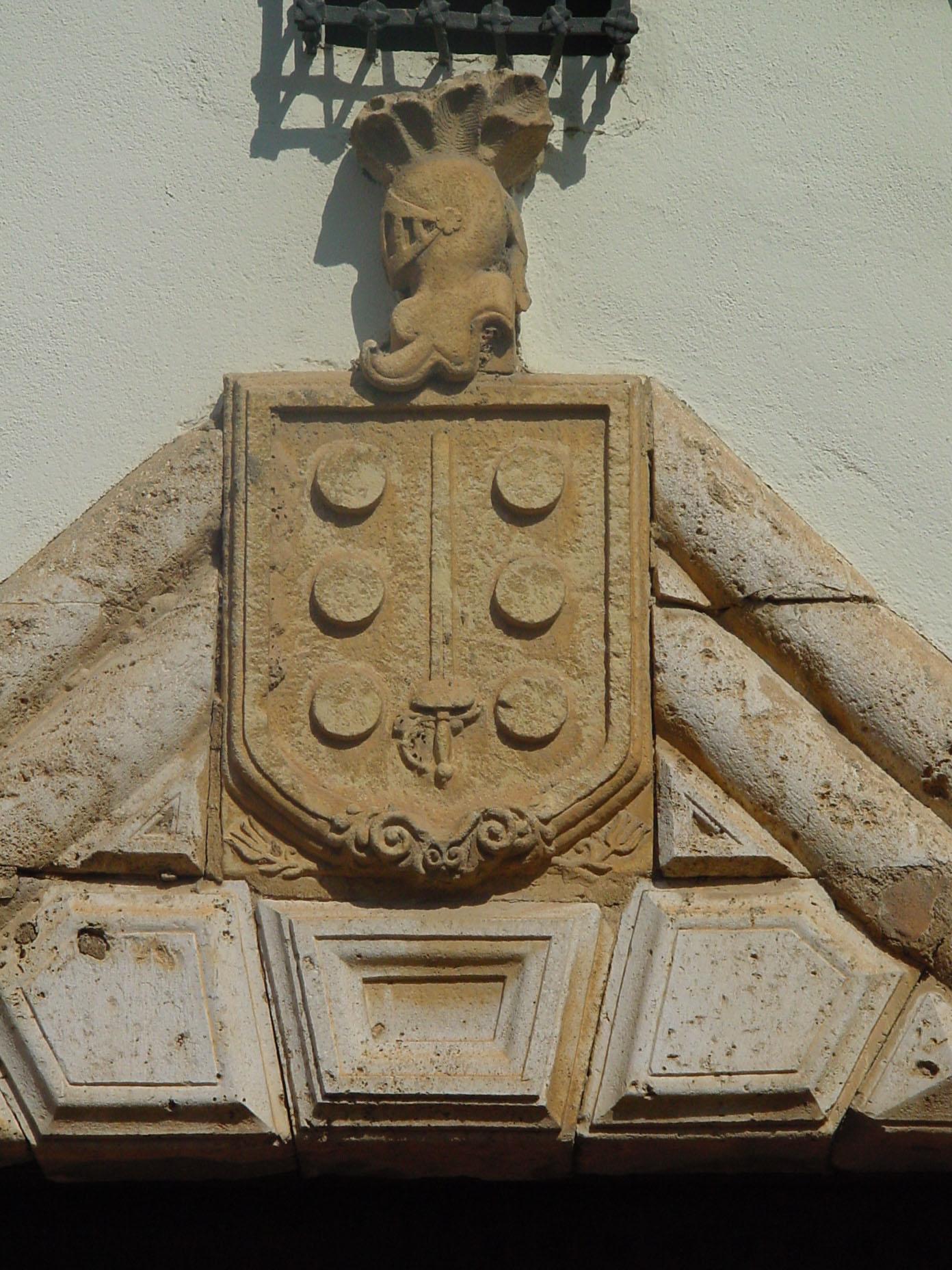 Detalle de escudo en Meco