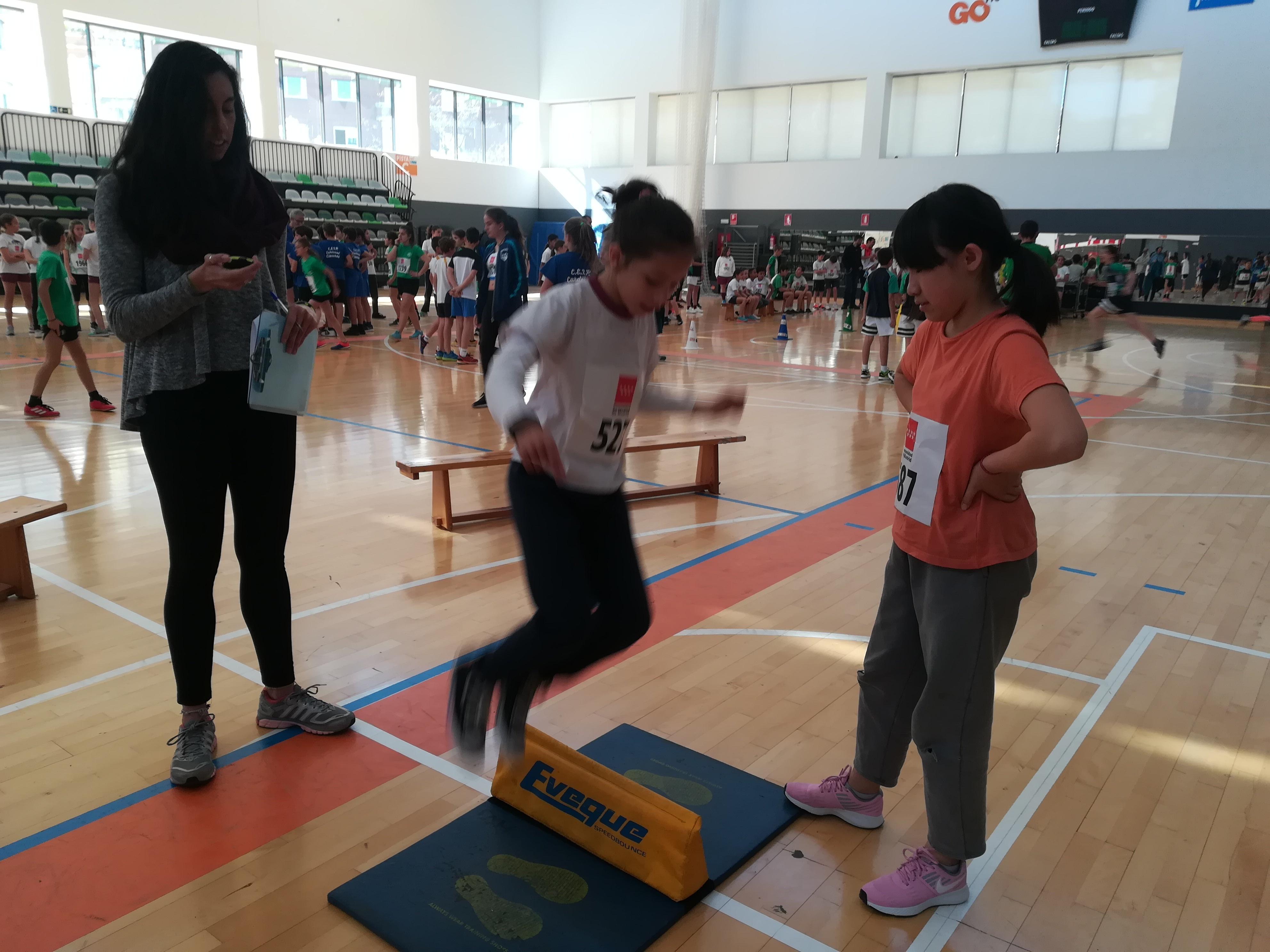 Encuentro de Atletismo 5º y 6º LUIS BELLO 13