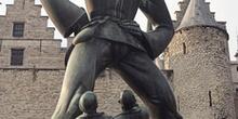 Estatua del gigante de Lange Wapper, Amberes, Bélgica
