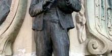 Escultura de un gaitero, Villaviciosa, Principado de Asturias