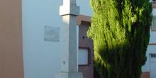 Monumento de cruz en Sevilla la Nueva