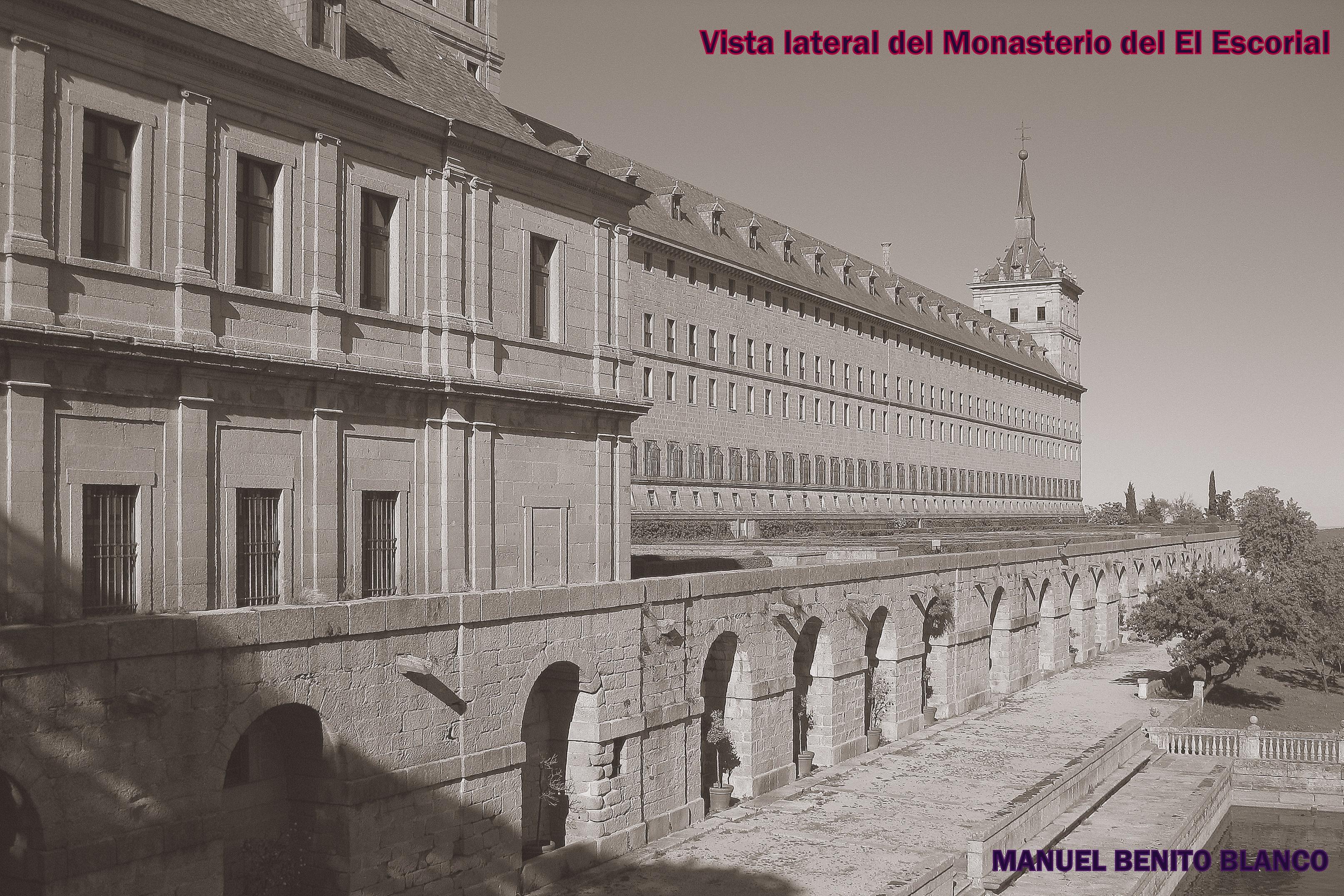 Vista lateral del Monasterio del Escorial