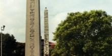 Obelisco egipcio y columna de Constantino, Estambul, Turquía