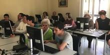 Rompiendo la brecha digital. Proyecto aprendizaje servicio