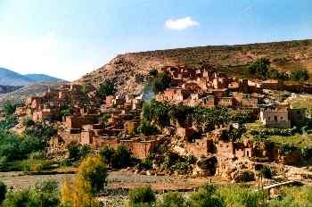Pueblo con construcciones de adobe, Marrakech