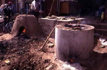 Hornos de leña en el mercado de Bayt al Faqih, Yemen