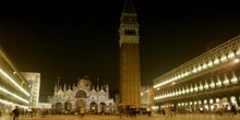 Plaza de San Marco de noche, Venecia