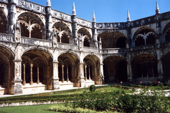 Patio interior, Monasterio de los Jerónimos, Lisboa, Portugal