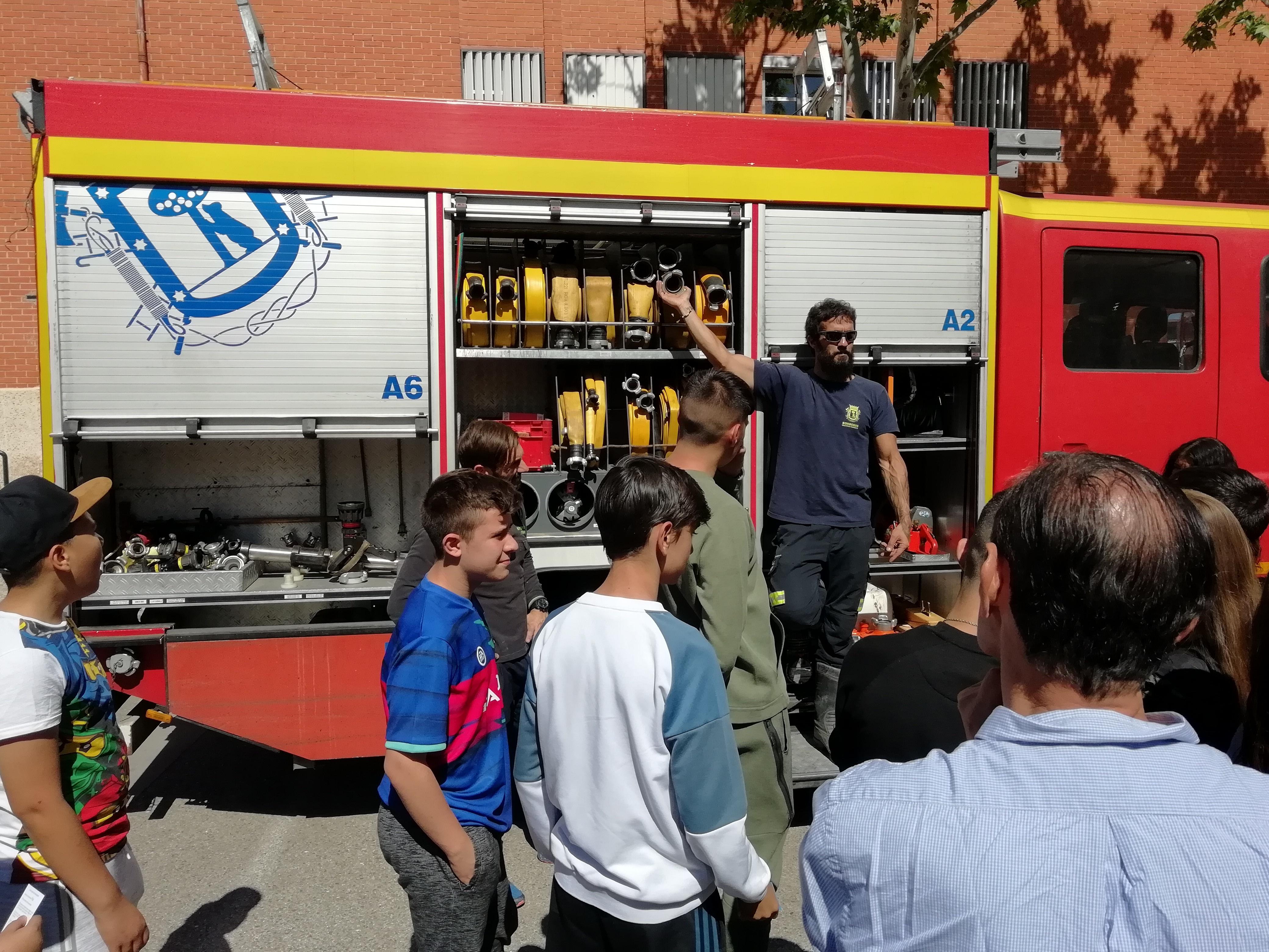 Visita de los bomberos a nuestro centro 9