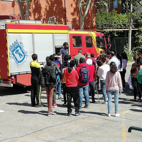 Visita de los bomberos a nuestro centro 5