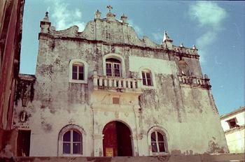 Iglesia y museo parroquial