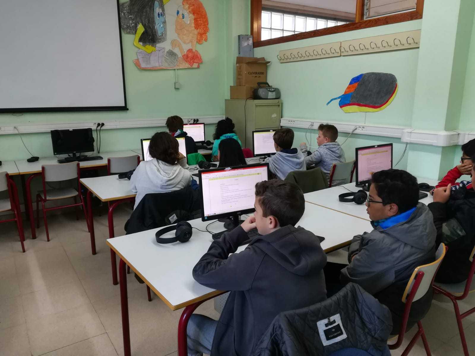 2019_01_25_Sexto A disfruta con el Proyecto Leemos de Lectura Online  3