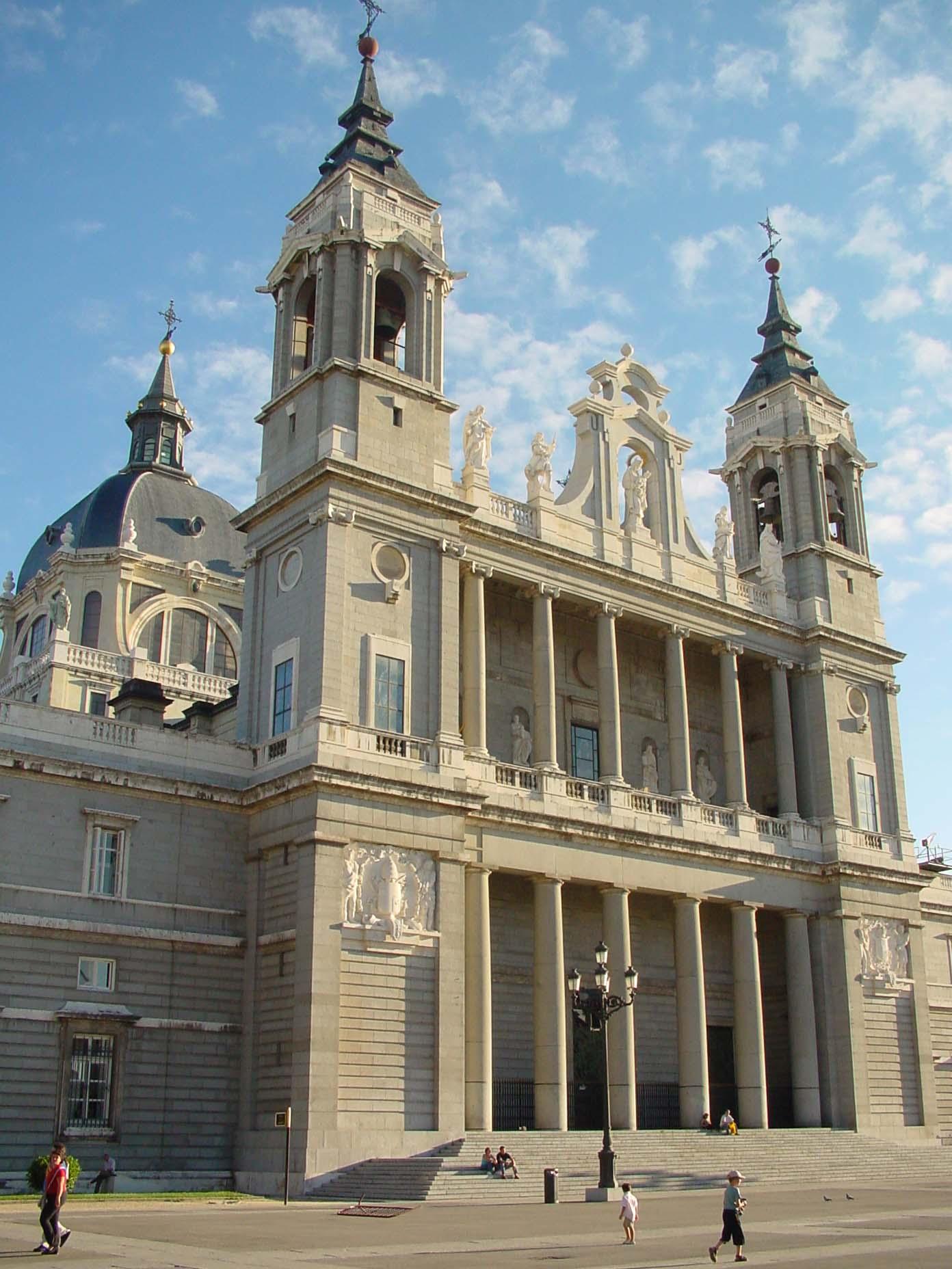 Catedral de Santa María de la Real de la Almudena en Madrid