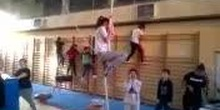 Actividad Gimnasia Deportiva - Trabajo con espalderas, cuerda y aros