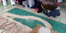Decorando pasillos del pabellón 3 por Navidad 1