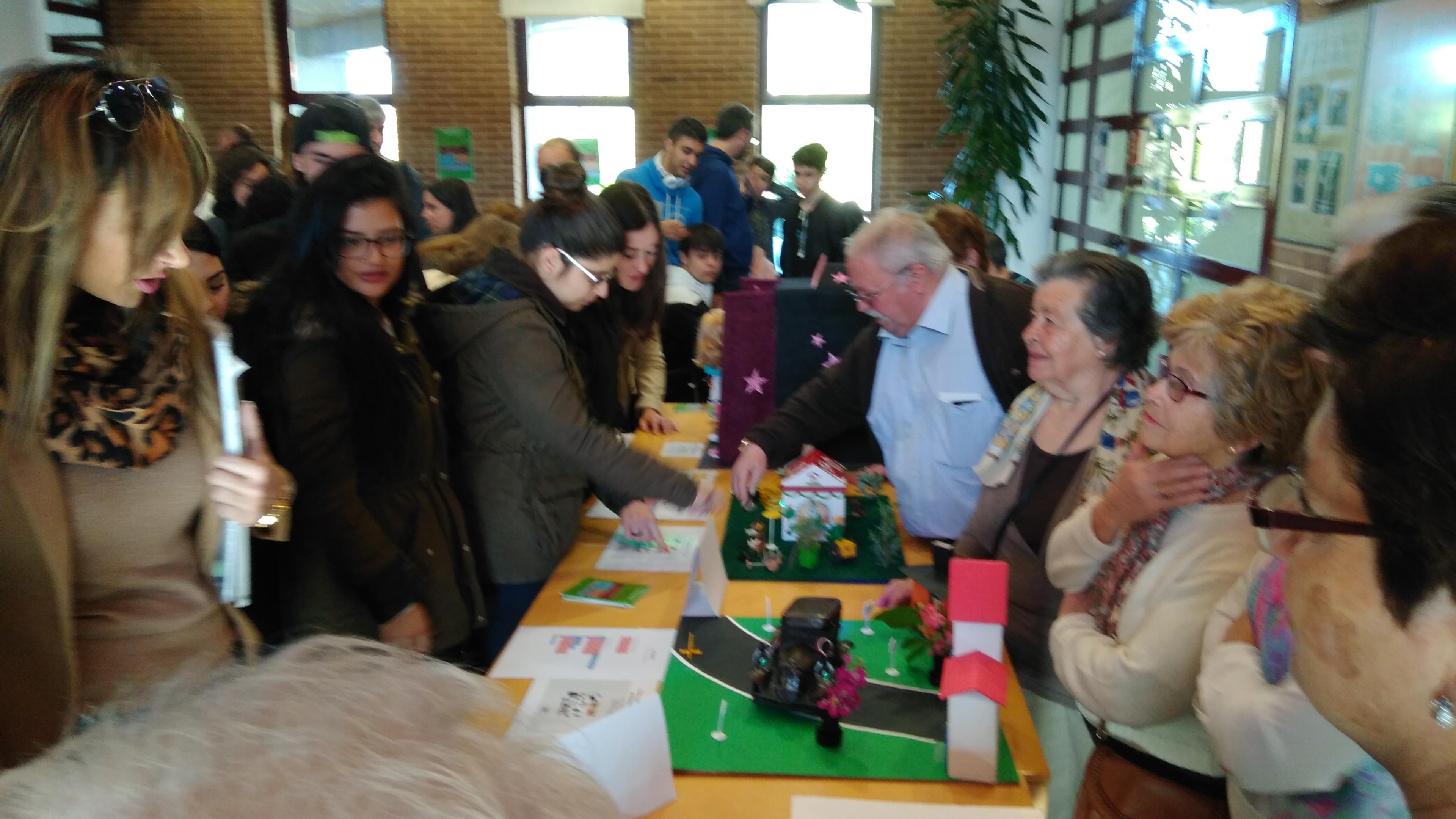 I Jornada de Programación, Robótica e Impresión 3D en educación para adultos. 04-04-2017 13